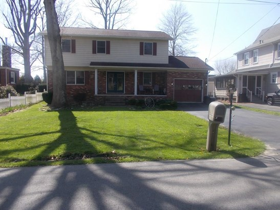 402 Parkway Street, Beckley, WV - USA (photo 1)