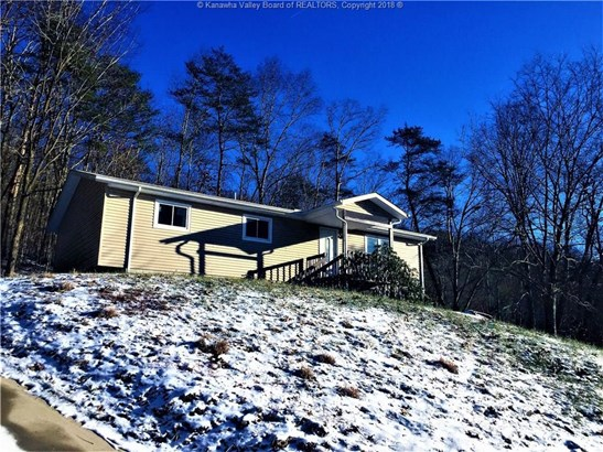 1425 Cemetery Hill Drive, Elkview, WV - USA (photo 1)