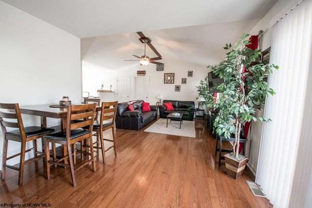 420 Oakmont Court, Maidsville, WV - USA (photo 4)
