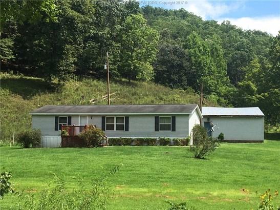 422 Amma Road, Clendenin, WV - USA (photo 1)