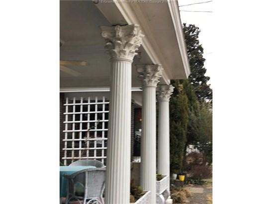 1558 Virginia Street E, Charleston, WV - USA (photo 3)