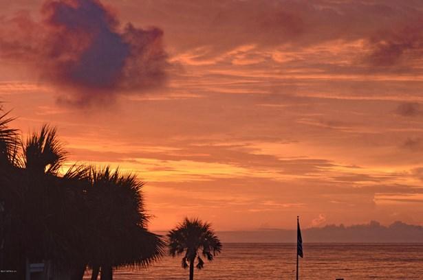 2323 Costa Verde 202 202, Jacksonville Beach, FL - USA (photo 1)