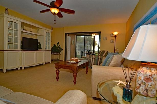 2323 Costa Verde 202 202, Jacksonville Beach, FL - USA (photo 2)