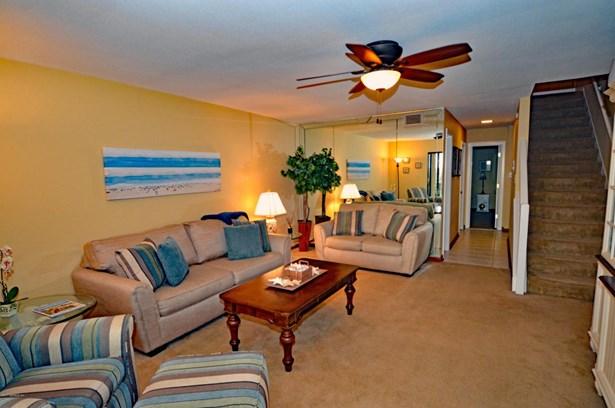 2323 Costa Verde 202 202, Jacksonville Beach, FL - USA (photo 3)