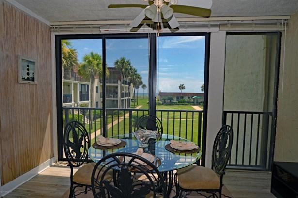 2323 Costa Verde 202 202, Jacksonville Beach, FL - USA (photo 4)