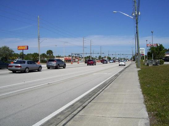 5080 Us Hwy 1 , Fort Pierce, FL - USA (photo 2)