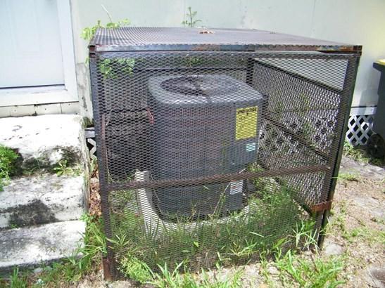 678 Beechwood , Jacksonville, FL - USA (photo 2)
