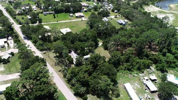 170 Canal , Oak Hill, FL - USA (photo 3)