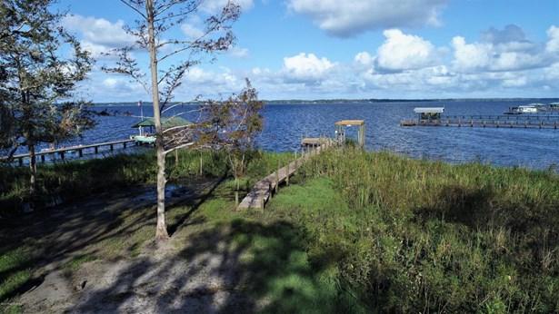 516 Cedar Creek , Palatka, FL - USA (photo 2)