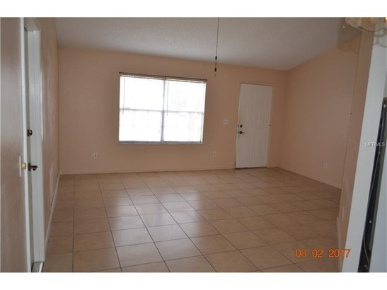 2372 Courtland , Deltona, FL - USA (photo 4)