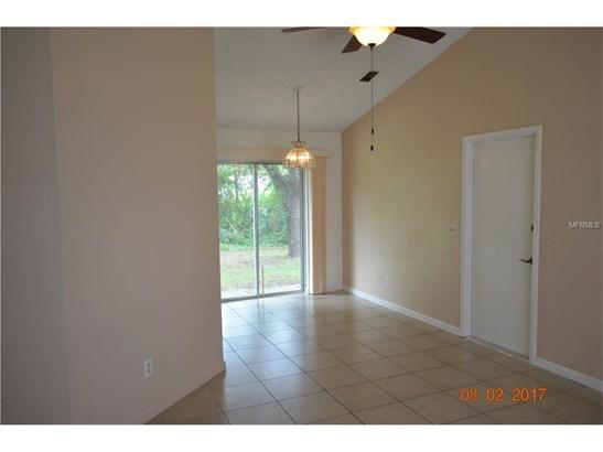 2372 Courtland , Deltona, FL - USA (photo 5)
