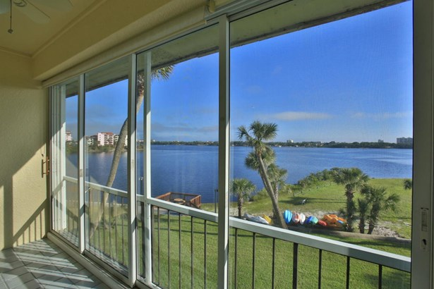 721 Beach 303a 303a, Daytona Beach, FL - USA (photo 3)