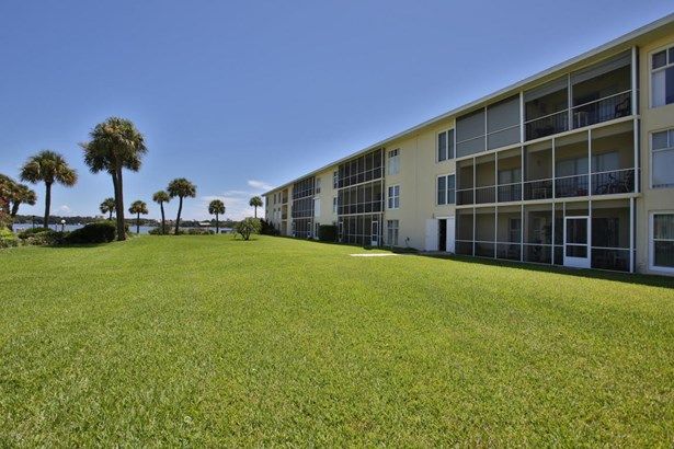 721 Beach 303a 303a, Daytona Beach, FL - USA (photo 4)