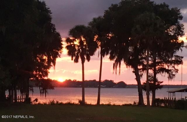 147 Grandview , East Palatka, FL - USA (photo 2)