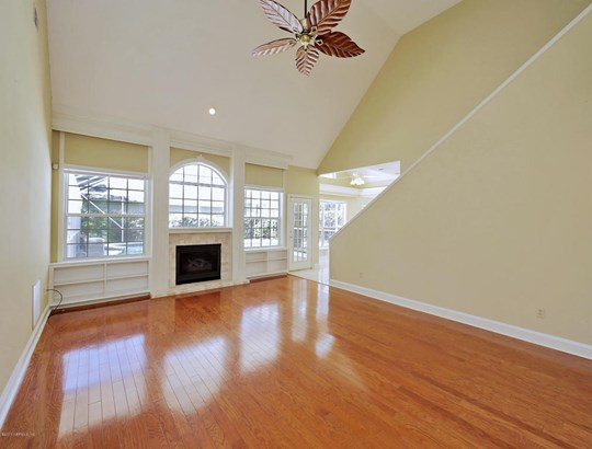 2460 Country Club , Orange Park, FL - USA (photo 3)