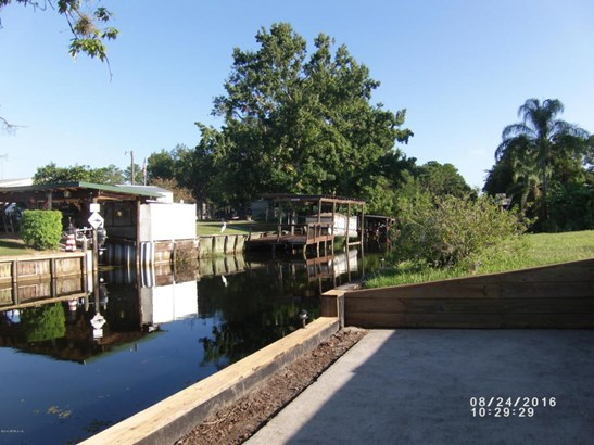 136 Creekside , Satsuma, FL - USA (photo 2)