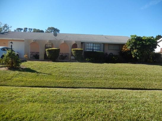 782 Essex , Port St. Lucie, FL - USA (photo 1)