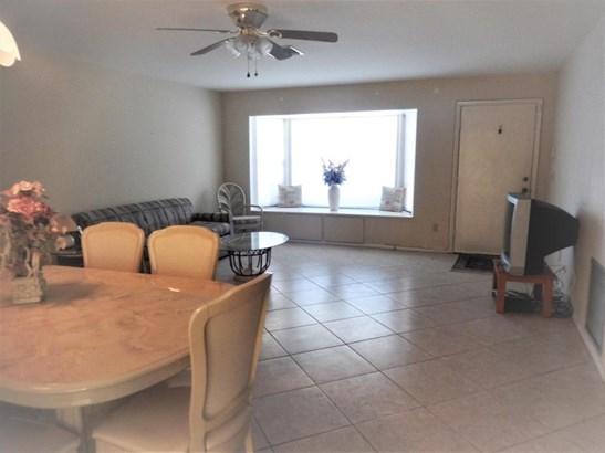 782 Essex , Port St. Lucie, FL - USA (photo 5)