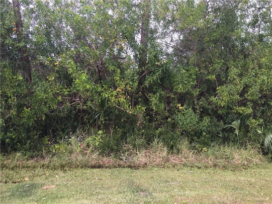 633 Breakwater , Sebastian, FL - USA (photo 1)