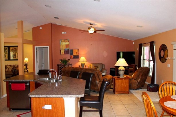 1208 Oak Landing , Orange City, FL - USA (photo 4)