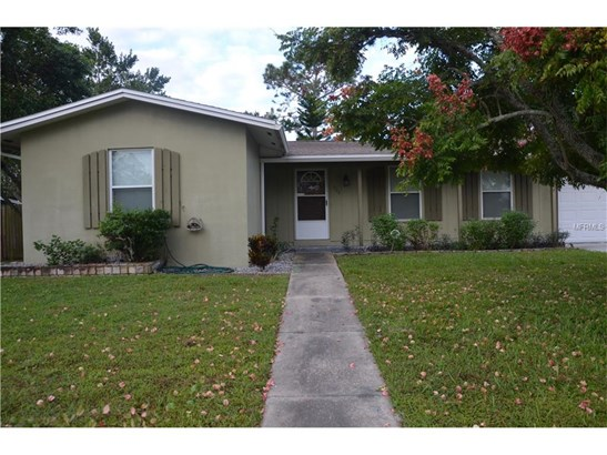 926 Saxon Blvd , Deltona, FL - USA (photo 3)