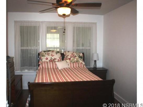102 Brooks Cir , Oak Hill, FL - USA (photo 5)