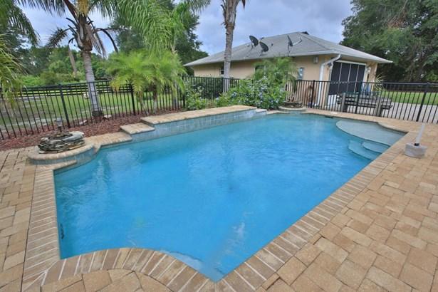273 Brooks , Oak Hill, FL - USA (photo 3)