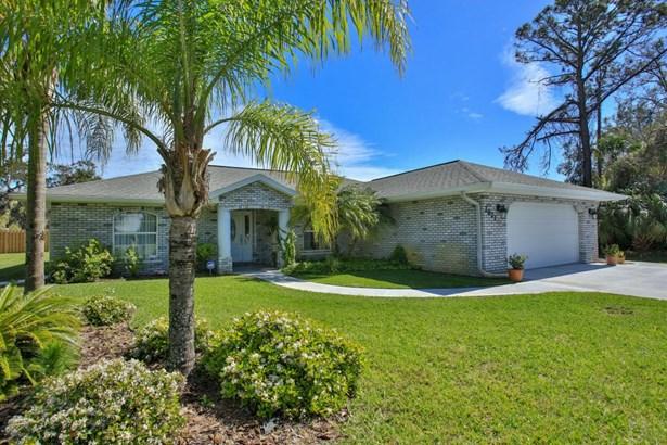 2821 Pine Tree , Edgewater, FL - USA (photo 1)