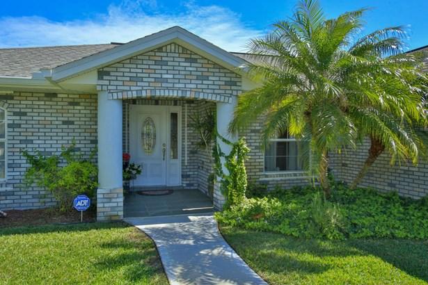 2821 Pine Tree , Edgewater, FL - USA (photo 2)