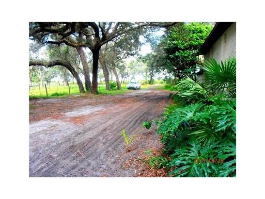 2555 Place Pond , De Leon Springs, FL - USA (photo 3)