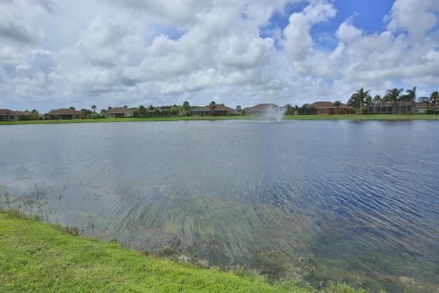 3433 Tesoro , New Smyrna Beach, FL - USA (photo 3)
