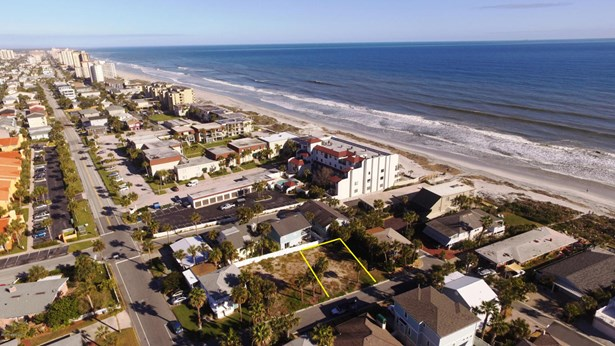 25 26th , Jacksonville Beach, FL - USA (photo 3)