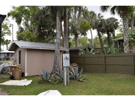 24604 Fox , Astor, FL - USA (photo 5)