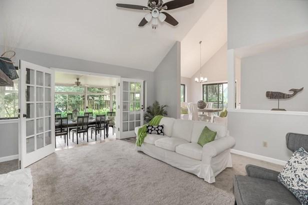 1350 Pinewood , Jacksonville Beach, FL - USA (photo 5)