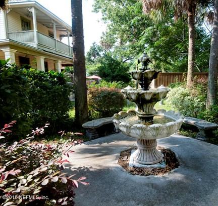 25 5th , Jacksonville, FL - USA (photo 5)