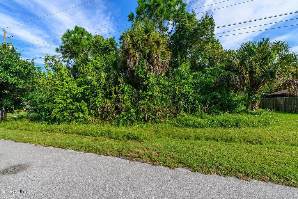 2081 Harbor Avenue, Palm Bay, FL - USA (photo 4)