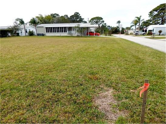 805 Lychee Drive , Barefoot Bay, FL - USA (photo 2)