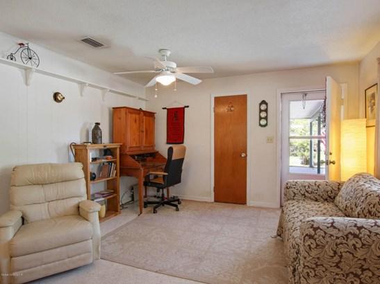 585 Gardenia Circle, Titusville, FL - USA (photo 5)