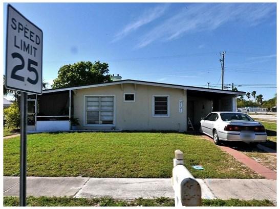2101 S 3rd St, Fort Pierce, FL - USA (photo 1)
