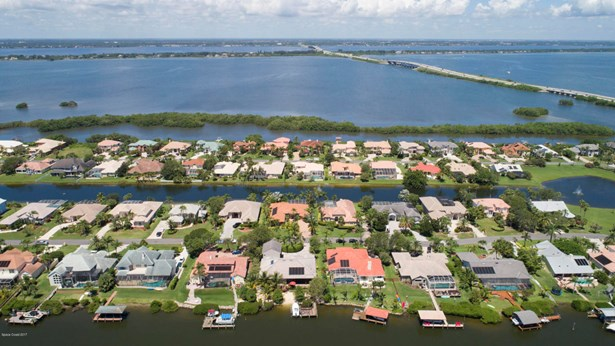 202 Lanternback Island Drive, Satellite Beach, FL - USA (photo 5)