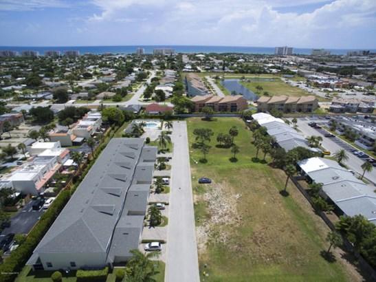 1038 Steven Patrick Avenue, Indian Harbour Beach, FL - USA (photo 3)
