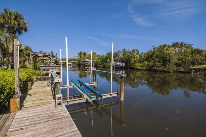 390 Lakeview Drive, Melbourne Beach, FL - USA (photo 4)