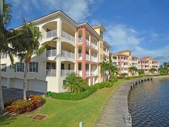 5342 W Harbor Village Drive 201, Vero Beach, FL - USA (photo 1)