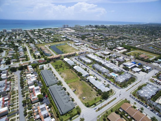 1020 Steven Patrick Avenue, Indian Harbour Beach, FL - USA (photo 4)