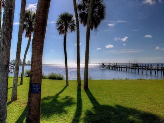 13455 N Indian River Drive, Sebastian, FL - USA (photo 2)