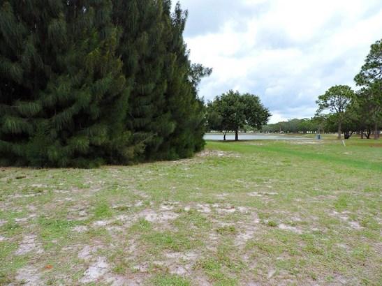 383 Egret Circle, Barefoot Bay, FL - USA (photo 2)