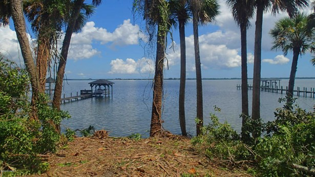 3905 Indian River Drive N, Cocoa, FL - USA (photo 1)