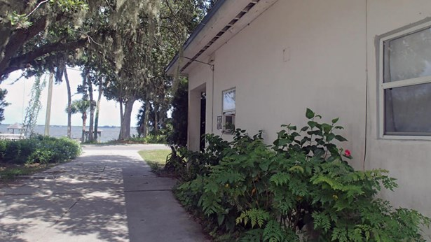 3905 Indian River Drive N, Cocoa, FL - USA (photo 3)