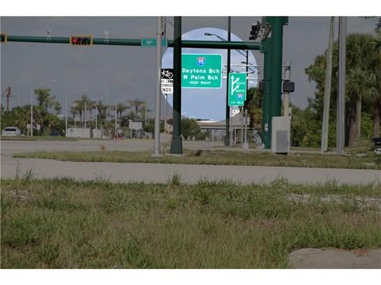 8980 20th Street, Vero Beach, FL - USA (photo 2)