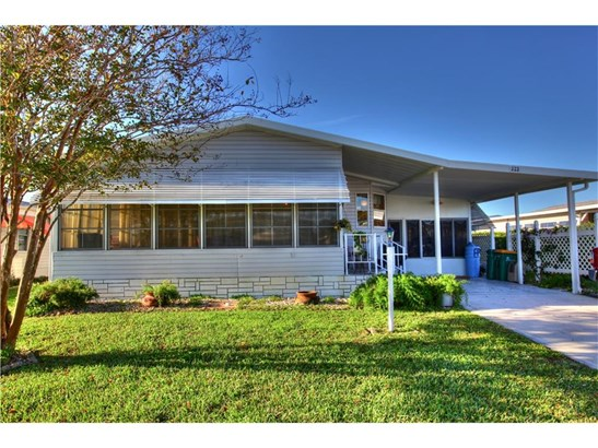 323 Loquat Drive, Barefoot Bay, FL - USA (photo 2)